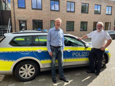 Bürgermeisterkandidat für Jeber Karl Oltmanns und PK-Leiter Peter Beer