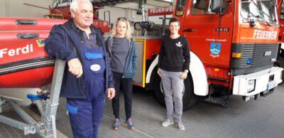 Sina Beckmann und Viola von Cramon bei der Feuerwehr Langeoog